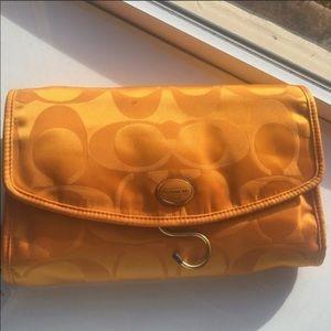 Coach Travel Cosmetic Toiletry Makeup Orange Bag